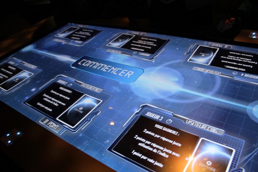 capsciences-odysee-espace-planete-systeme-solaire-lune-mars-simulateur-explication-exposition-decouverte-visite-science-scientifique-enfant-bordeaux-interactif-tactile-tablette
