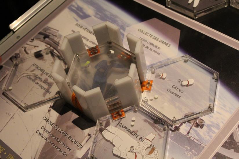 capsciences-odysee-espace-planete-systeme-solaire-lune-mars-simulateur-explication-exposition-decouverte-visite-science-scientifique-enfant-bordeaux-jeux-ludique