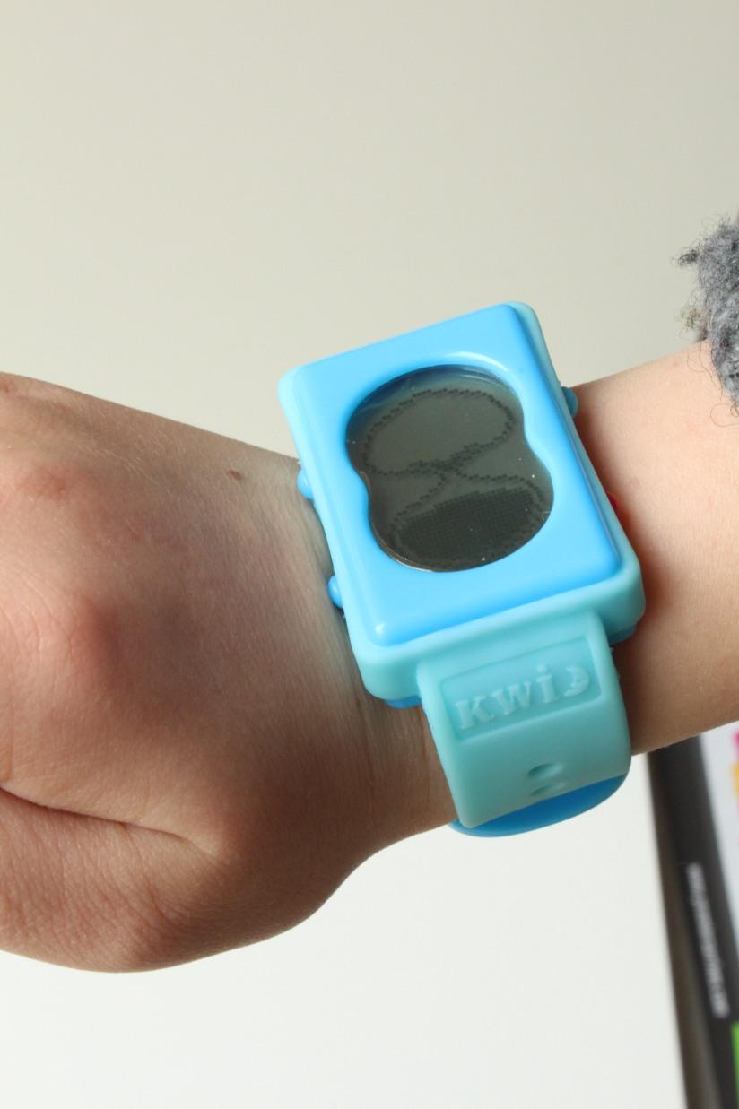 premiers-arrives-site-boutique-ligne-jouets-jeux-ludique-enfant-montre-sablier-temps-notion-autonomie-dent-brossage-jouets-cadeau