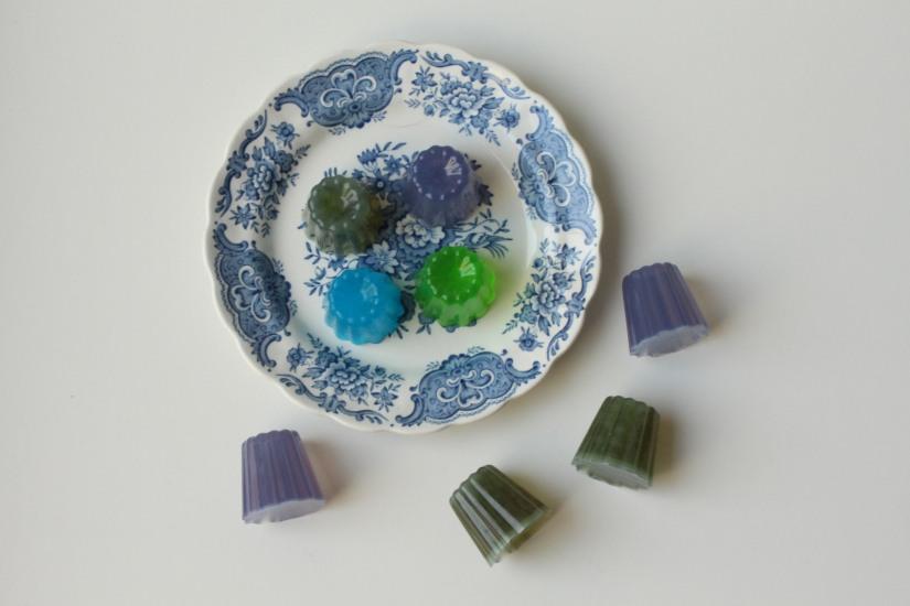 sentosphere-savon-senteur-parfum-creation-loisir-creatif-kit-cadeau-enfant-moule-cannele-bordeaux