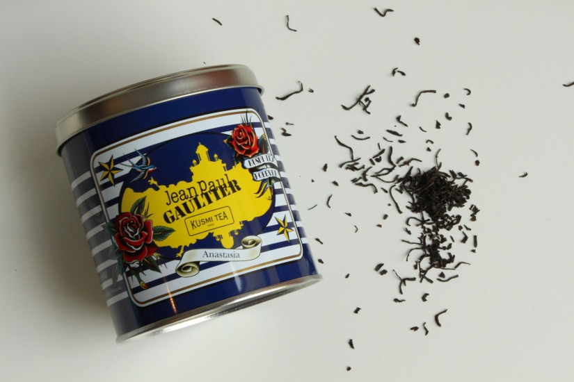 kusmi-tea-the-jean-paul-gauthier-couture-gouter-edition-limitee-expo-grand-palais-paris-prince-vladimir-anastasia-russe-bergamote-agrumes-noir-vrac-boite-fer-11