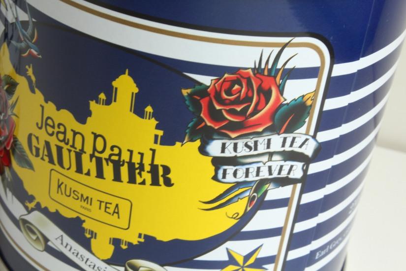 kusmi-tea-the-jean-paul-gauthier-couture-gouter-edition-limitee-expo-grand-palais-paris-prince-vladimir-anastasia-russe-bergamote-agrumes-noir-vrac-boite-fer-tatoutage-tattoo