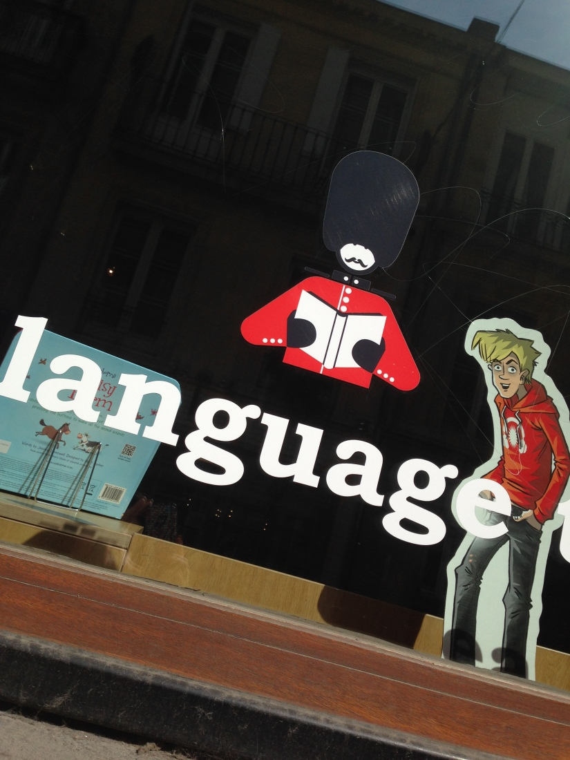 bradley-shop-magasin-librairie-bordeaux-anglais-anglophone-enfant-etudiant-livre-affiche-pteapotes-langue-language-eveil-apprentissage-vo