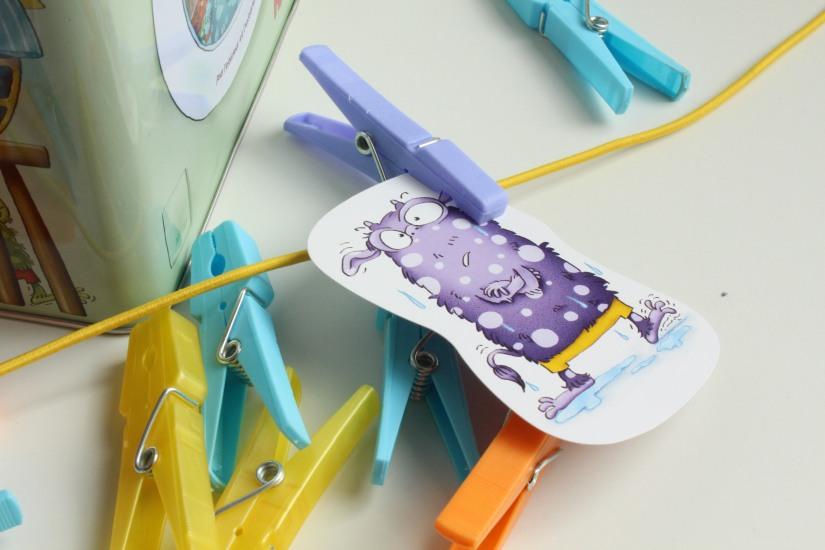 haba-jeu-collectif-monster-propre-linge-lavage-boite-metal-exterieur-enfant-cadeau-idée-anniversaire-groupe-animation-copain