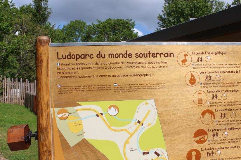 dordogne-perigord-alligator-park-aquarium-village-bournat-cabane-arbres-perchees-tertre-bugue-sarlat-gironde-aquitaine-crocodile-antan-autrefois-1900-siècle-35