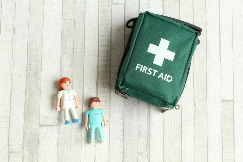 maboxsante-box-sante-medicament-soin-soigner-urgence-necessaire-voyage-kit-bobos-enfant-famille-site-boutique-eshop-pratique