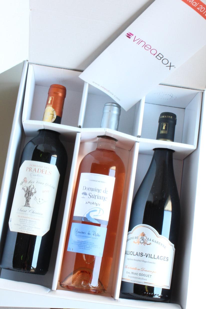 vineabox-vin-boisson-aperitif-box-rouge-blanc-rosé-alcool-mensuel-abonnement-repas-barbecue-famille-amis-pteapotes-3