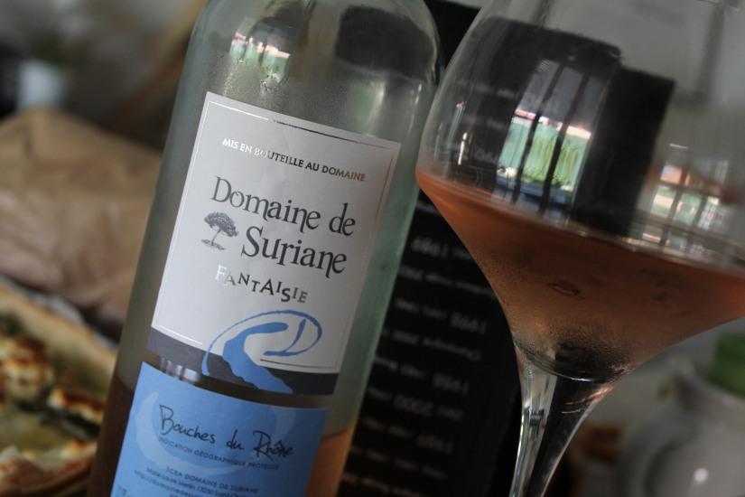 vineabox-vin-boisson-aperitif-box-rouge-blanc-rosé-alcool-mensuel-abonnement-repas-barbecue-famille-amis-pteapotes-frais