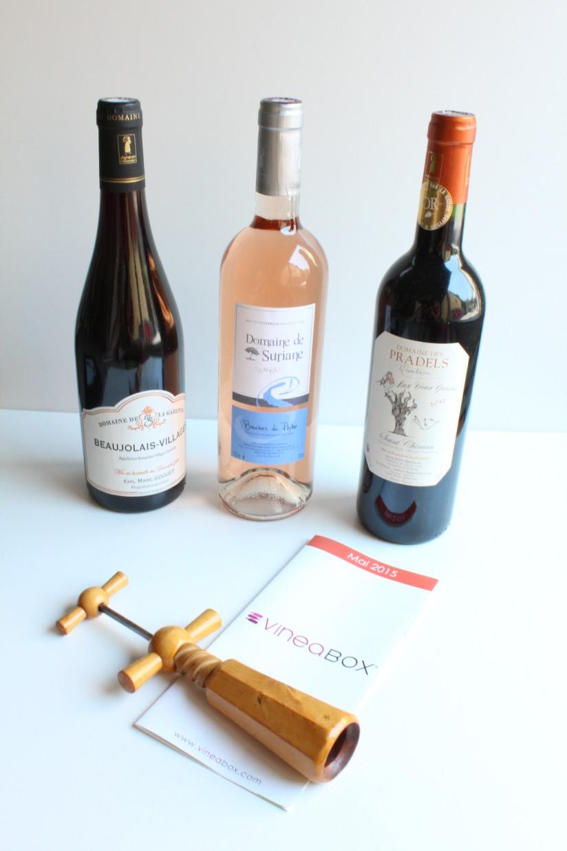 vineabox-vin-boisson-aperitif-box-rouge-blanc-rosé-alcool-mensuel-abonnement-repas-barbecue-famille-amis-pteapotes-tire-bouchon