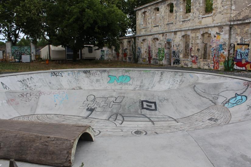 darwin-magain-general-rstaurant-lieu-rive-droite-bordeaux-hangar-decouverte-brunch-artiste-street-art-skate-jeux-ecolo-eco-bobo-recyclage-zero-dechet-epicerie-bio (37)
