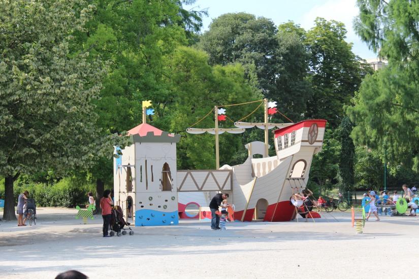 jardin-public-bordeaux-centre-ville-gironde-aquitaine-pont-manege-enfant-jeux-eau-calme-promenade-balade-12