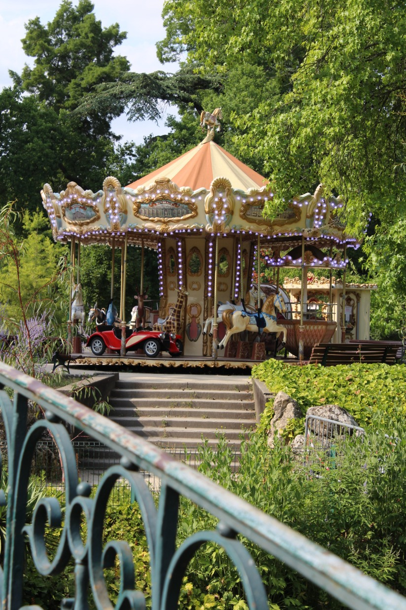 jardin-public-bordeaux-centre-ville-gironde-aquitaine-pont-manege-enfant-jeux-eau-calme-promenade-balade-15