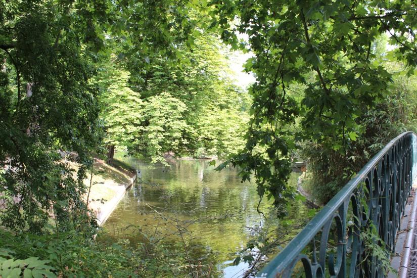 jardin-public-bordeaux-centre-ville-gironde-aquitaine-pont-manege-enfant-jeux-eau-calme-promenade-balade