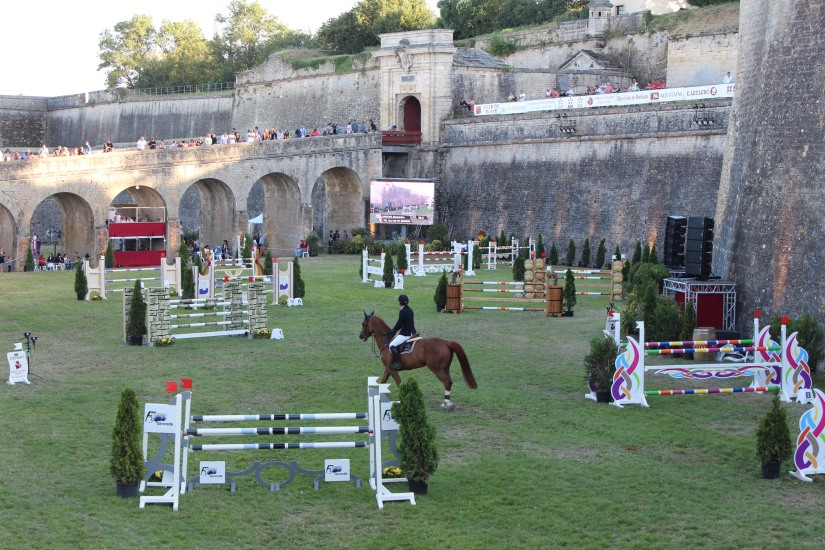 jumping-blaye-bordeaux-equitation-equestre-competition-cheval-chevaux-cavalier-citadelle-gironde-visite-2