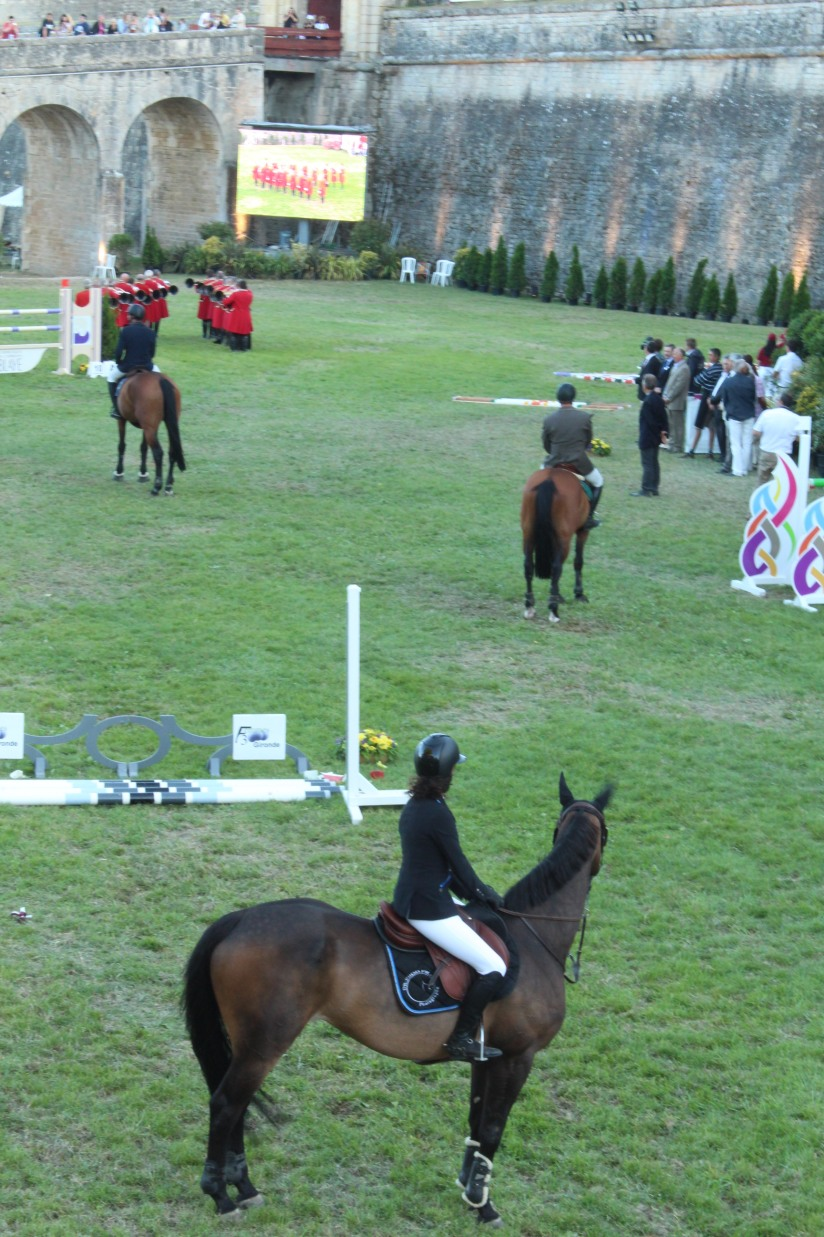 jumping-blaye-bordeaux-equitation-equestre-competition-cheval-chevaux-cavalier-citadelle-gironde-visite-3