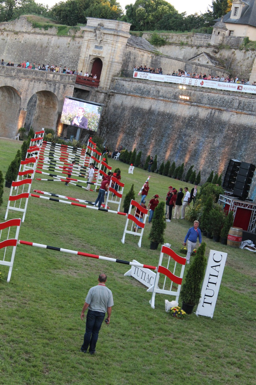 jumping-blaye-bordeaux-equitation-equestre-competition-cheval-chevaux-cavalier-citadelle-gironde-visite-4