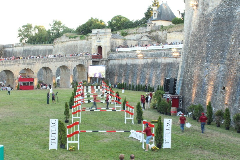 jumping-blaye-bordeaux-equitation-equestre-competition-cheval-chevaux-cavalier-citadelle-gironde-visite-5