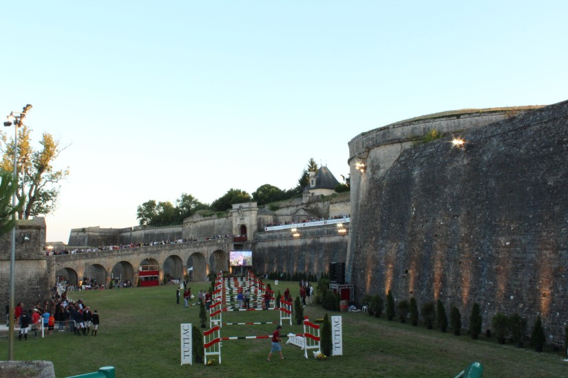 jumping-blaye-bordeaux-equitation-equestre-competition-cheval-chevaux-cavalier-citadelle-gironde-visite-6