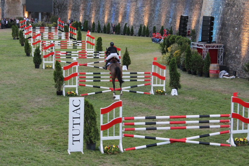 jumping-blaye-bordeaux-equitation-equestre-competition-cheval-chevaux-cavalier-citadelle-gironde-visite-9