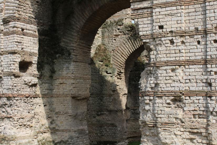 palais-gallien-romain-rome-bordeaux-histoire-patrimoine-monument-burdigala-decouverte-visite-ruine-pierre-centre-ville-batiment