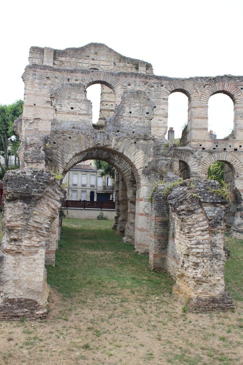 palais-gallien-romain-rome-bordeaux-histoire-patrimoine-monument-burdigala-decouverte-visite-ruine-pierre-centre-ville-tourisme