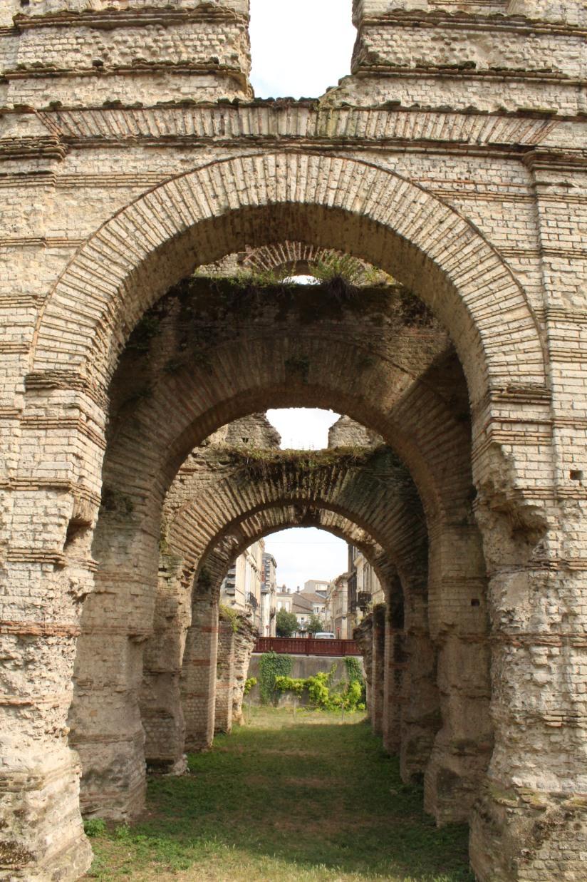 palais-gallien-romain-rome-bordeaux-histoire-patrimoine-monument-burdigala-decouverte-visite-ruine-pierre-centre-ville-vestige