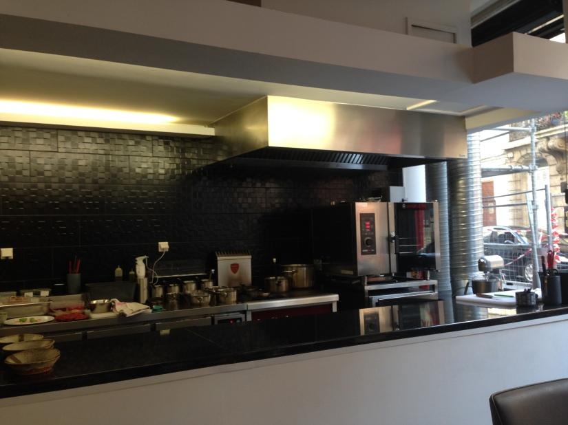 cote-rue-restaurant-bistrot-gastronomique-bordeaux-amoureux-amis-duo-cuisine-moderne-nouveau-deco-vue-salle