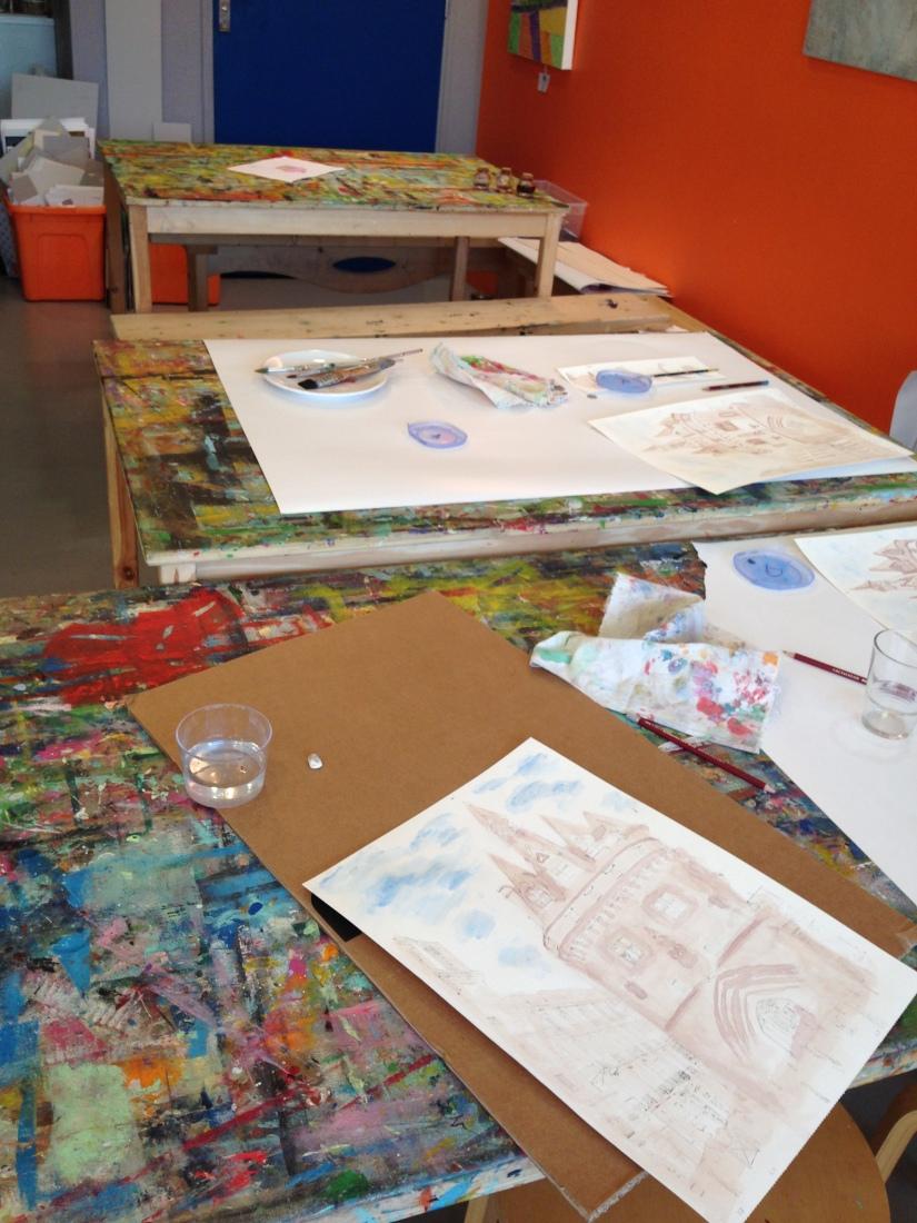 lezard-creatif-bordeaux-pessac-centre-ville-art-peinture-vin-aquarelle-atelier-seance-chateau-pape-clement-merlot-esquisse-tableau-technique-decouverte-degustation-10
