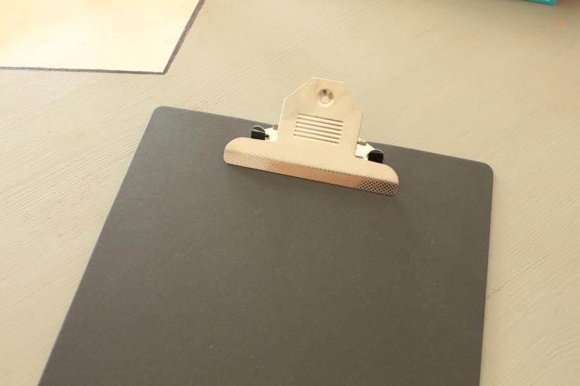 astuce-deco-facile-decoration-pas-cher-papier-flow-clipboard-affiche-bocal-bocaux-bougie-vase-masking-tape-pteapotes (5)