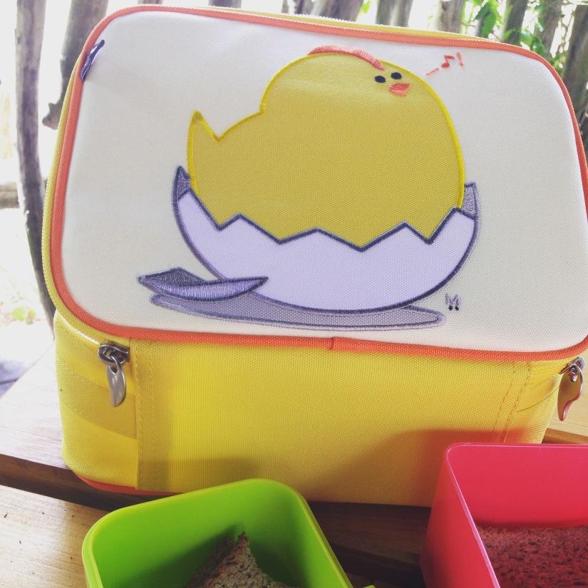 beatrix-france-valise-sac-bagage-lunch-box-valisette-boite-voyage-vacances-cartable-ecole-pique-nique-dino-dinosaure-poussin-fille-garçon-couleur-illustration-solide-pratique-13