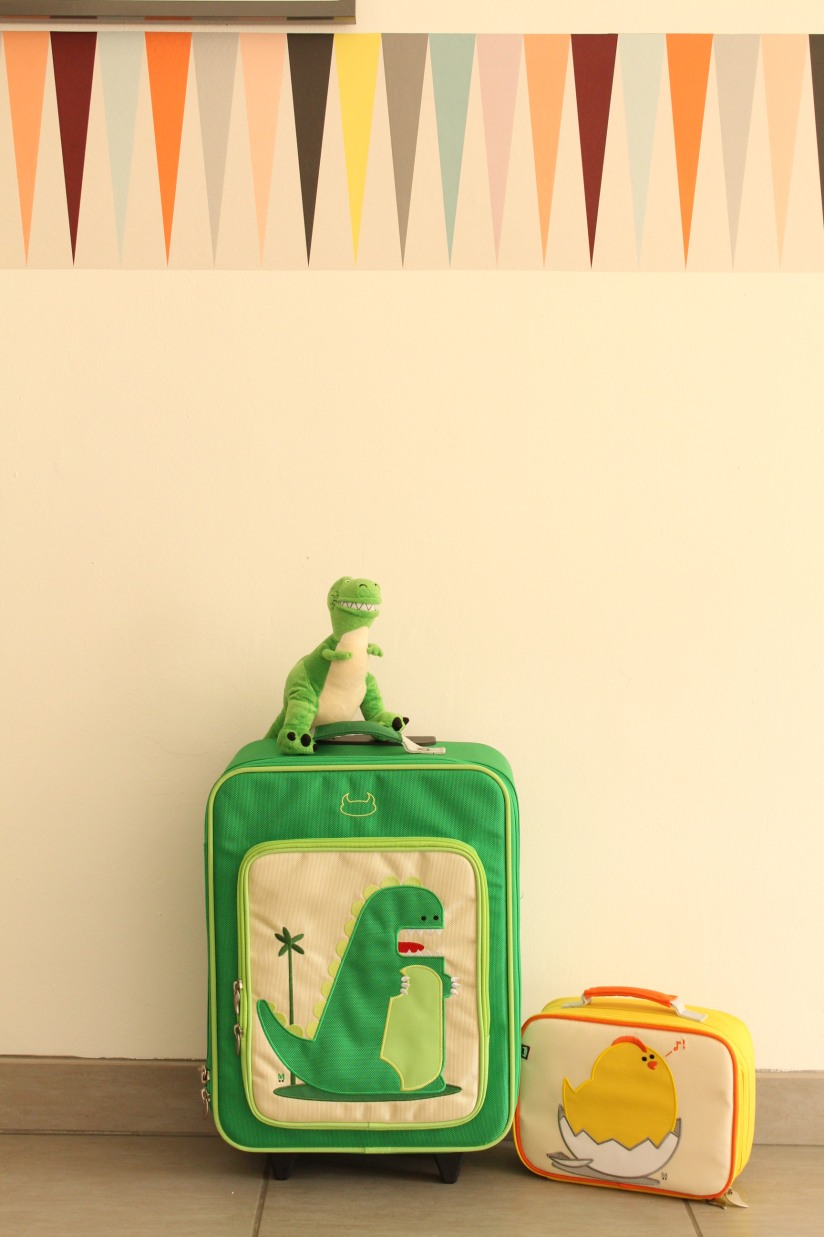 beatrix-france-valise-sac-bagage-lunch-box-valisette-boite-voyage-vacances-cartable-ecole-pique-nique-dino-dinosaure-poussin-fille-garçon-couleur-illustration-solide-pratique