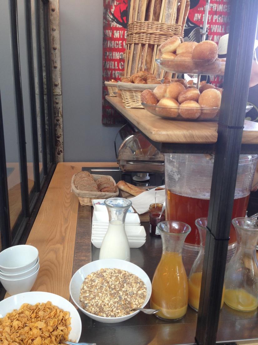 Les-tontons-restaurant-bordeaux-quai-bacalan-marques-pont-brunch-volonte-buffet-bistrot-brasserie-kidsfriendly-terrasse-10