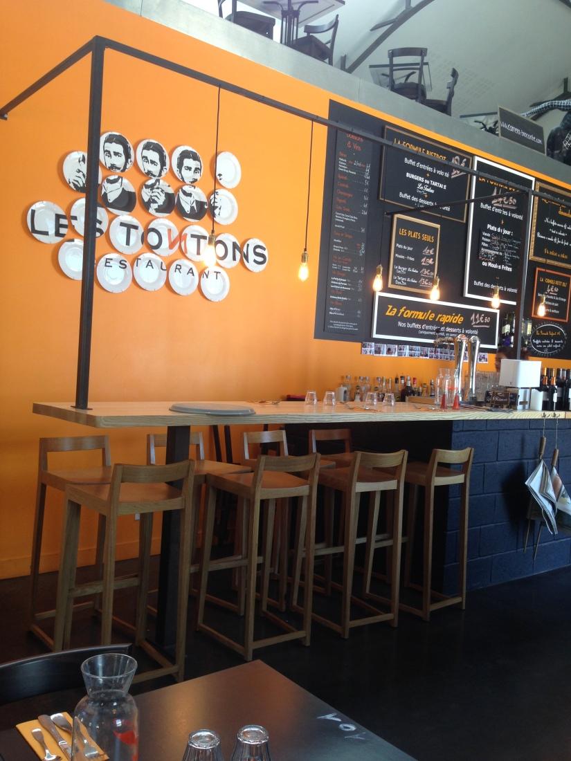 Les-tontons-restaurant-bordeaux-quai-bacalan-marques-pont-brunch-volonte-buffet-bistrot-brasserie-kidsfriendly-terrasse-4