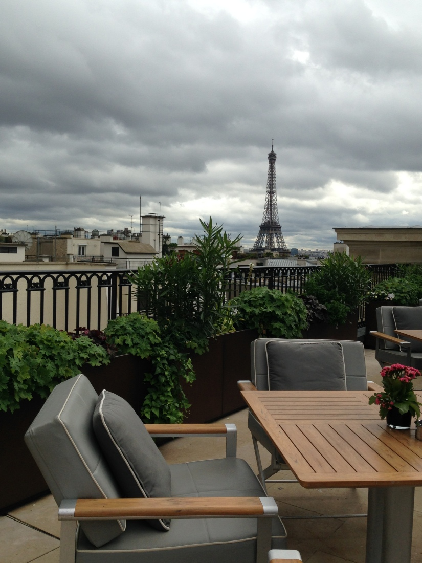 peninsula-hotel-lobby-table-afternoon-tea-gouter-thé-royal-majestic-majestueux-patisserie-terrasse-couverte-luxe-paris (11)