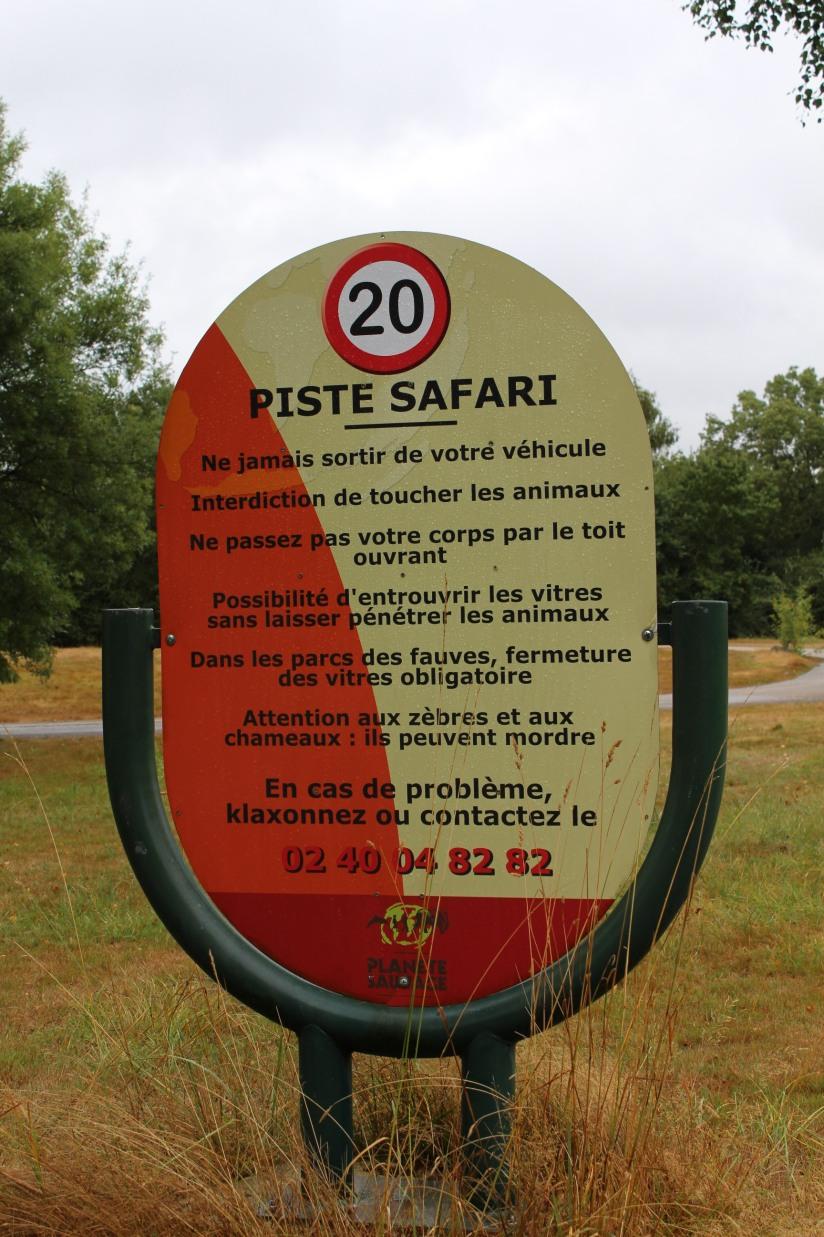 planete-sauvage-zoo-safari-nantes-bretagne-animaux-raid-bivouac-spectacle-dauphin-lion-lemurien-maki-famille-enfant-sortie-activite-parc-animalier-aventure-soigneur-rencontre-nourrir-3-12