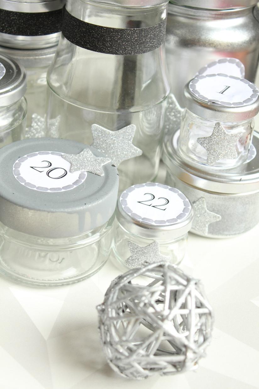 diy-avent-advent-calendrier-calendar-brico-tuto-jar-bocal-bocaux-peinture-paillettes-recup-recyclage-verre-facile-pas-cher-gratuit-idee-noel-vacances-enfant-kid (12)