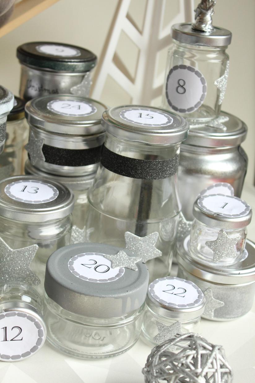 diy-avent-advent-calendrier-calendar-brico-tuto-jar-bocal-bocaux-peinture-paillettes-recup-recyclage-verre-facile-pas-cher-gratuit-idee-noel-vacances-enfant-kid (2)