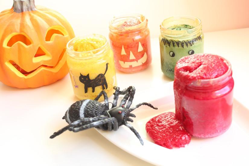 halloween-tuto-bricolage-cuisine-recette-gateau-bocal-deco-posca-decoration-yaourt-colorant-effrayant-dessin-facile-monstre-sorciere-citrouille (14)