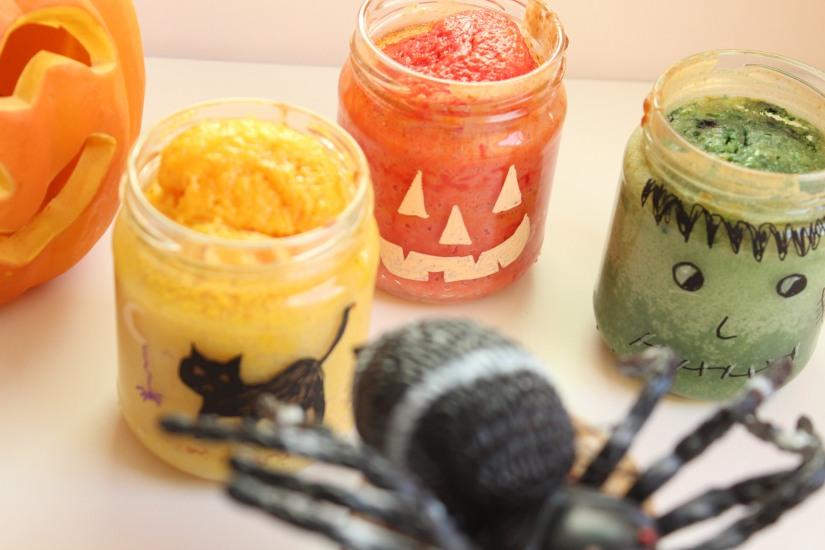 halloween-tuto-bricolage-cuisine-recette-gateau-bocal-deco-posca-decoration-yaourt-colorant-effrayant-dessin-facile-monstre-sorciere-citrouille (20)