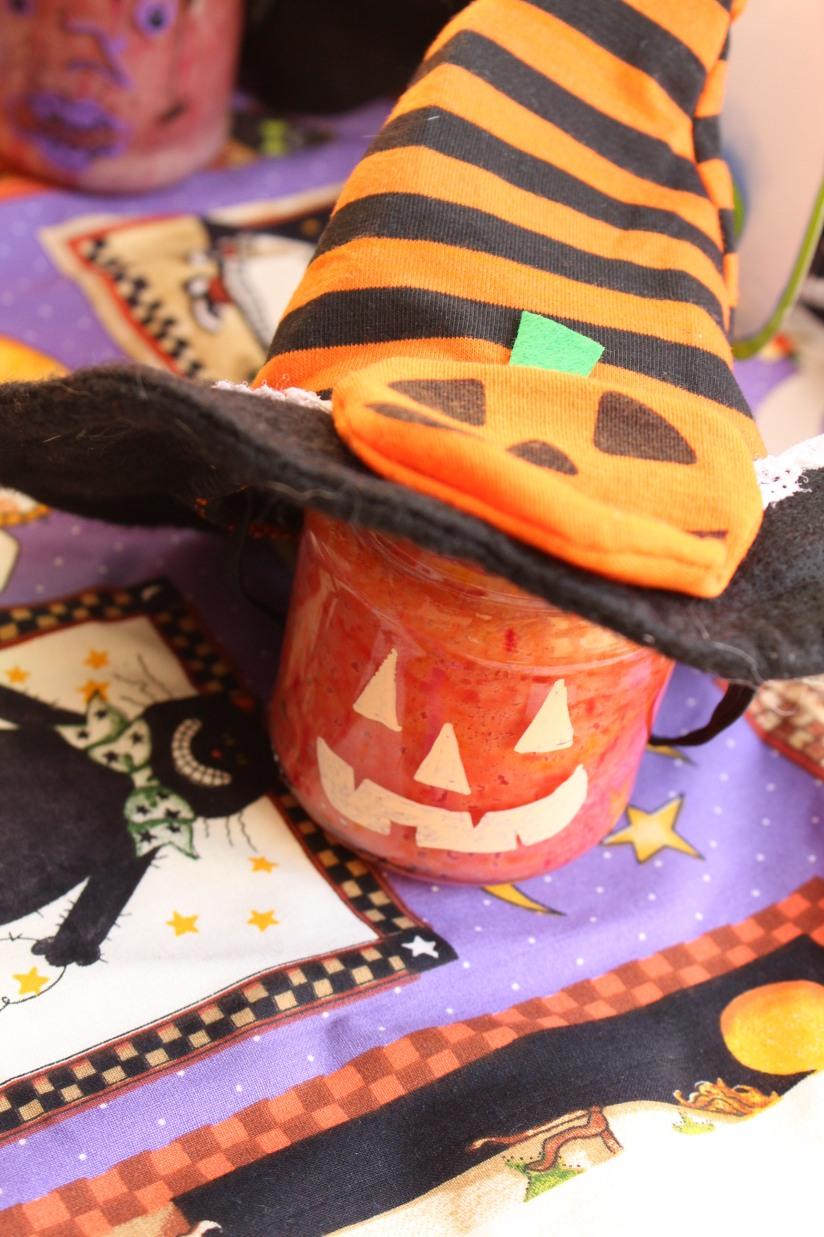 halloween-tuto-bricolage-cuisine-recette-gateau-bocal-deco-posca-decoration-yaourt-colorant-effrayant-dessin-facile-monstre-sorciere-citrouille (6)