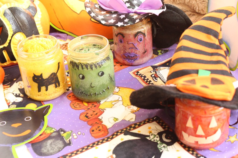 halloween-tuto-bricolage-cuisine-recette-gateau-bocal-deco-posca-decoration-yaourt-colorant-effrayant-dessin-facile-monstre-sorciere-citrouille