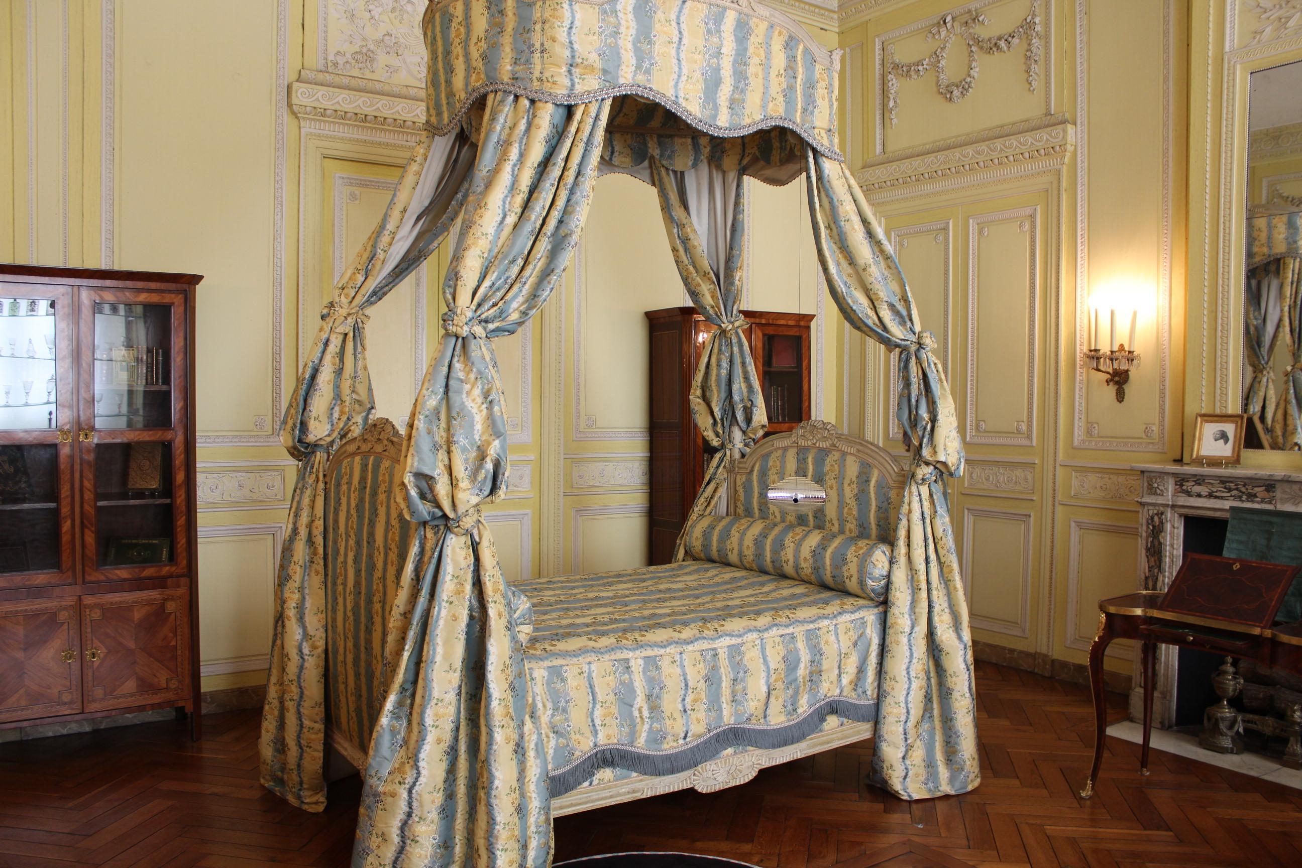 le musée des arts décoratifs et du design de bordeaux : découverte ... - Meuble Design Bordeaux