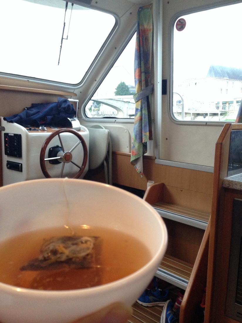 canalous-croisiere-fluviale-charentes-bateau-riviere-navigation-naviguer-famile-cognac-jarnac-saintes-gironde-vacances (14)