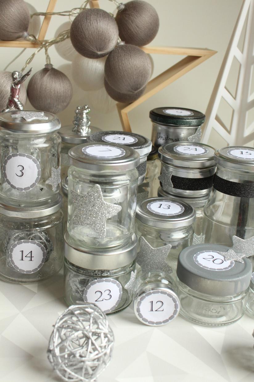 diy-avent-advent-calendrier-calendar-brico-tuto-jar-bocal-bocaux-peinture-paillettes-recup-recyclage-verre-facile-pas-cher-gratuit-idee-noel-vacances-enfant-kid