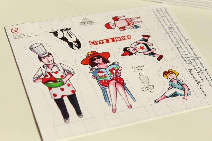 mademoiselle-cartonne-livre-cahier-coloriage-colorier-jouets-figurine-emporter-playmobil-sylvanian-families-facile-jeu-pratique-offrir-noel-anniversaire (1)