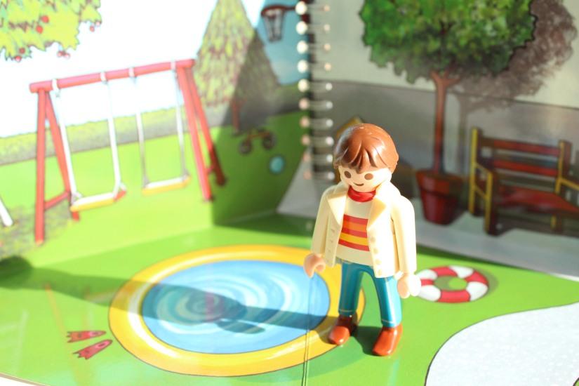 mademoiselle-cartonne-livre-cahier-coloriage-colorier-jouets-figurine-emporter-playmobil-sylvanian-families-facile-jeu-pratique-offrir-noel-anniversaire (14)