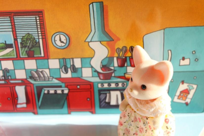 mademoiselle-cartonne-livre-cahier-coloriage-colorier-jouets-figurine-emporter-playmobil-sylvanian-families-facile-jeu-pratique-offrir-noel-anniversaire (6)