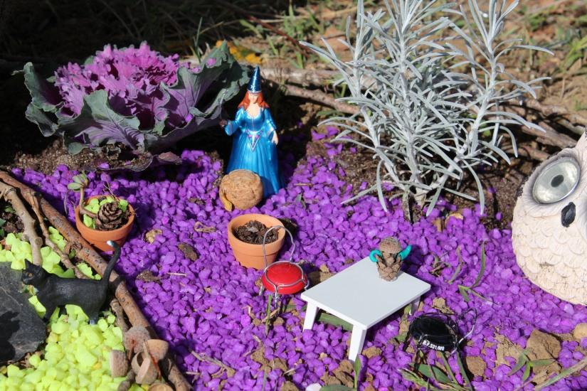 maison-fée-fee-fairy-garden-home-house-porte-jardin-deco-brico-tuto-diy-jeux-activité-enfant-imagination-truffaut-loisir-creatif-figurine-schleich-plante (65)