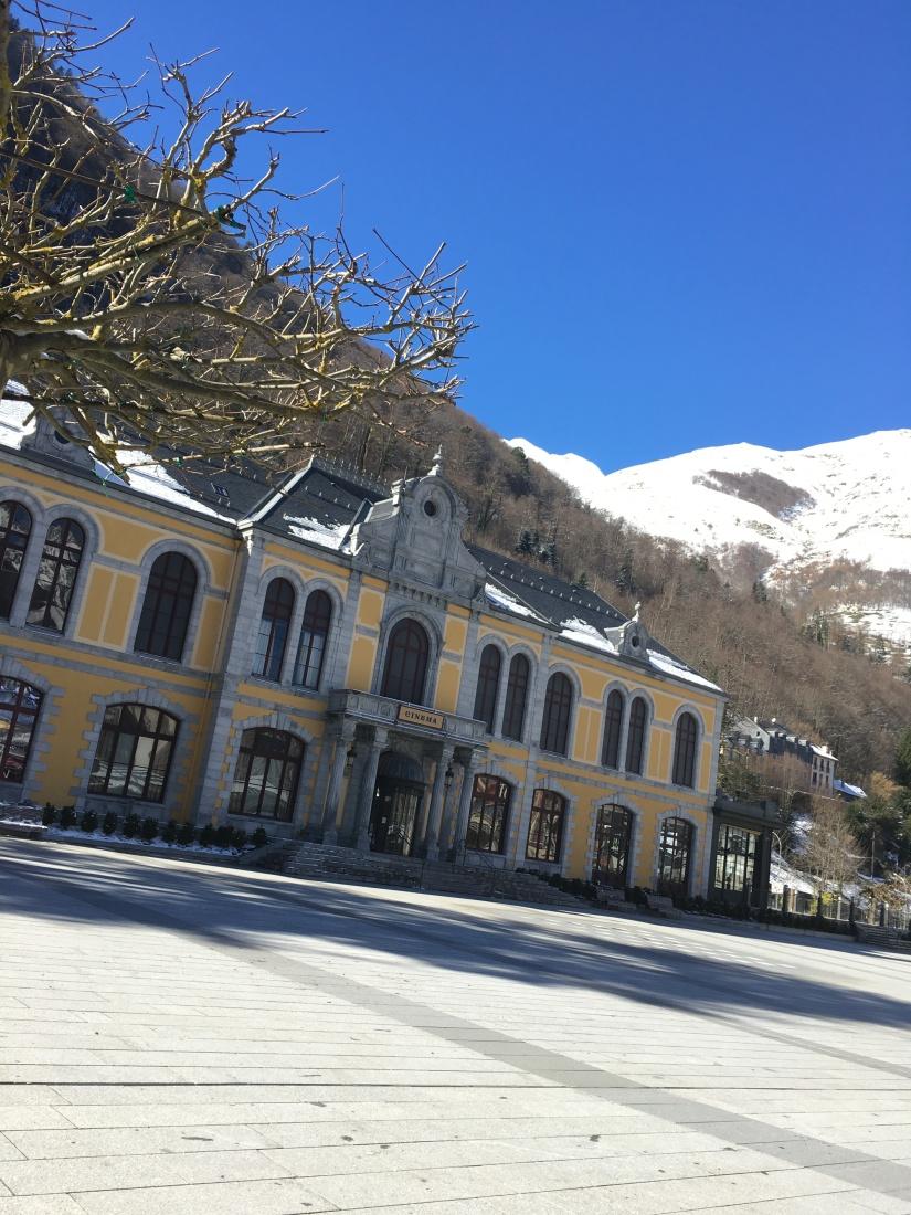 cauterets-pyrennees-ski-station-montagne-enfant-famille-week-end-sortie-loisirs-neige-decouverte-lieux-restaurants-balade-village-npy (25)