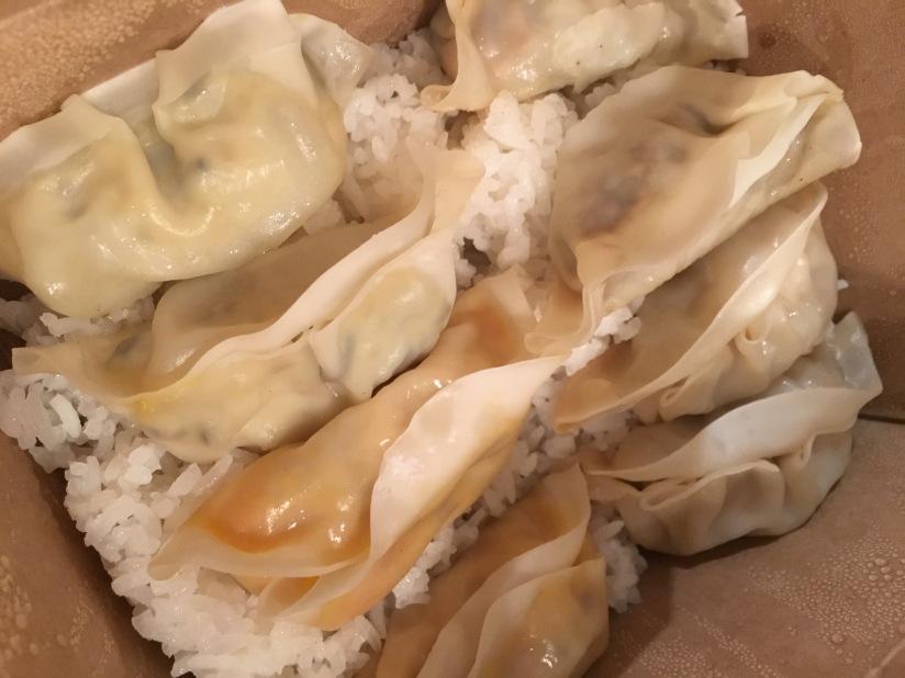 gyoza-factory-japonais-bordeaux-ville-cuisine-take-away-emporter-raviolis-original-recette-canard-classique-michel-cymes-ouverture (1)